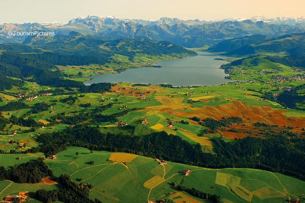 بلدة Sihlsee بسويسرا