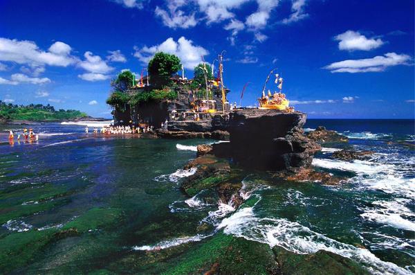 جزيرة بالي الشهيرة