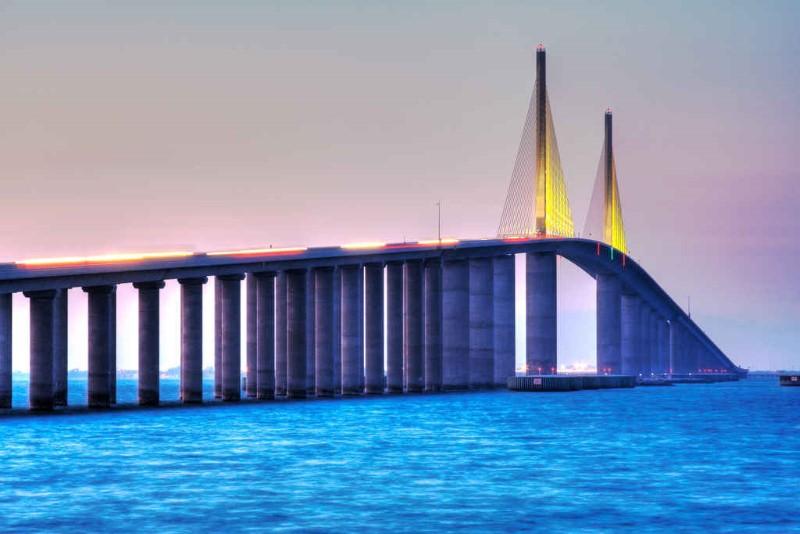 جسر ضخم