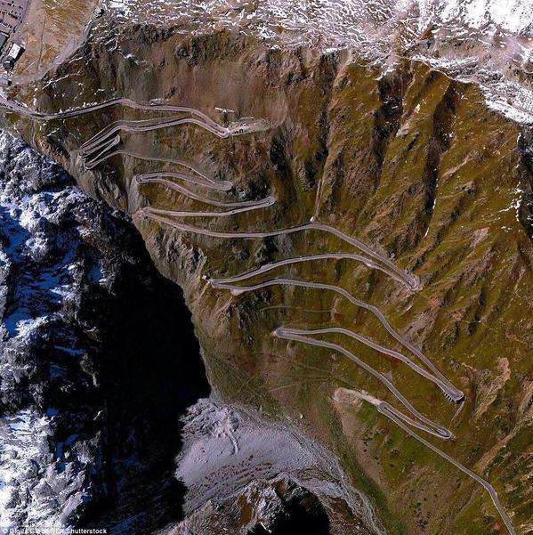 طريق خطير بإيطاليا