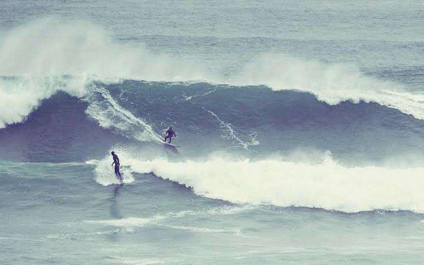 موجة عملاقة