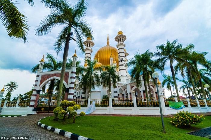 مسجد العبودية كوالا بانغسار