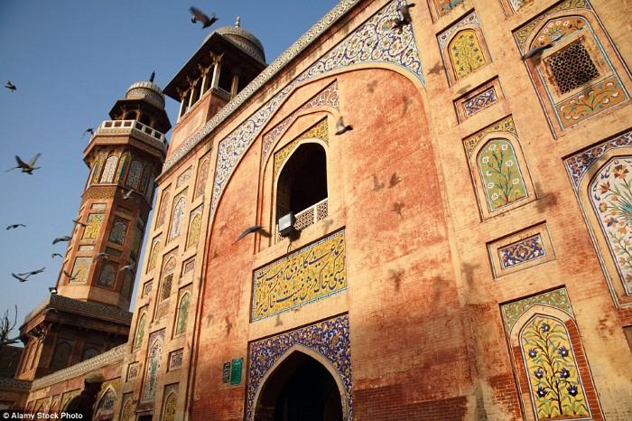 مسجد وزير خان