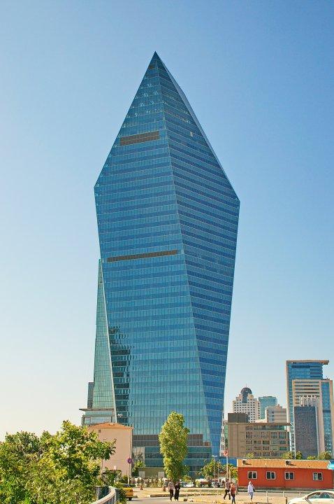 برج جميل في تركيا