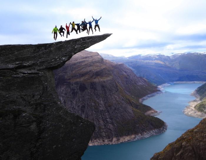 القفز فوق الصخور