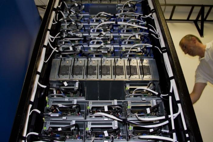 تخزين بيانات الفيسبوك