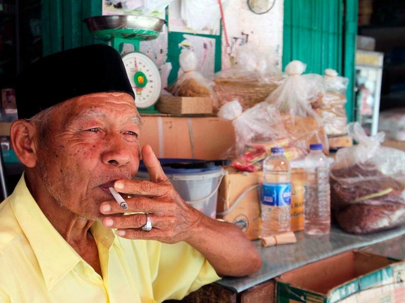 المدخنين في اندونيسيا