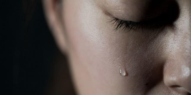 بكاء المرأة
