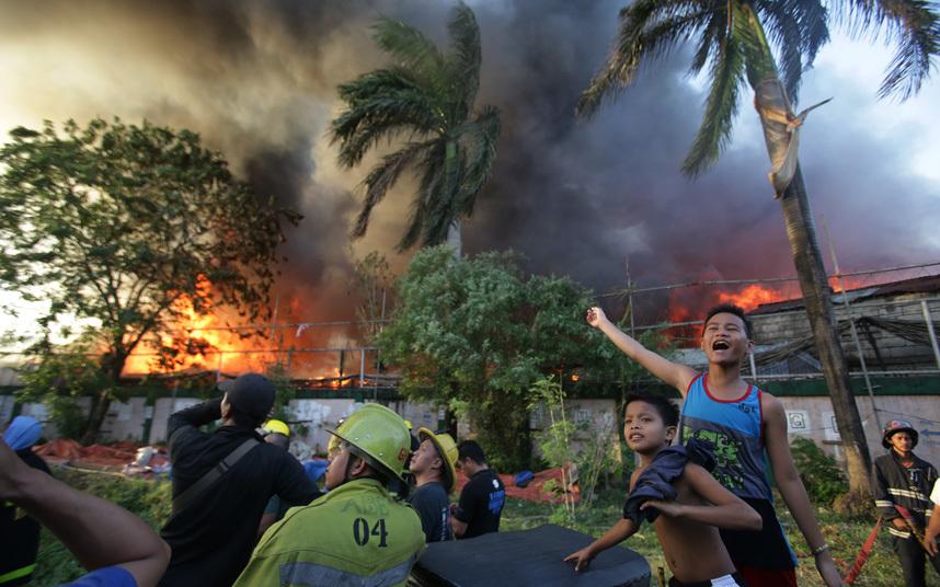 حريق بمانيلا