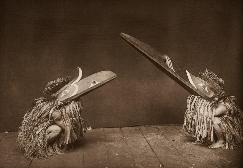 راقصي قبيلة ناكاواتك