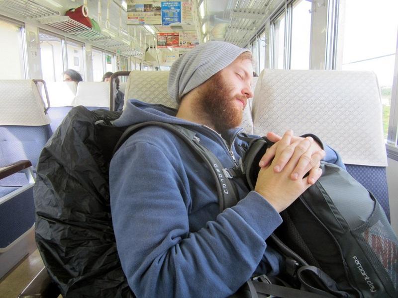راكب في قطار
