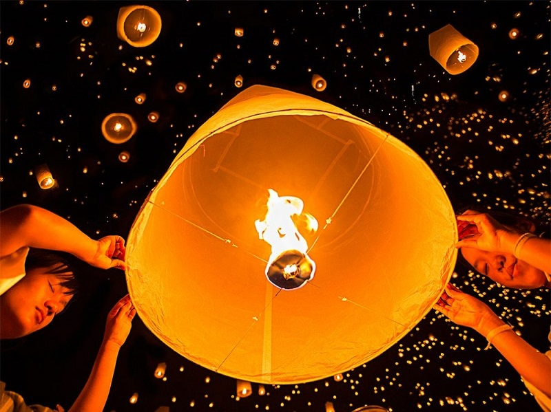 مهرجان فوانيس السماء