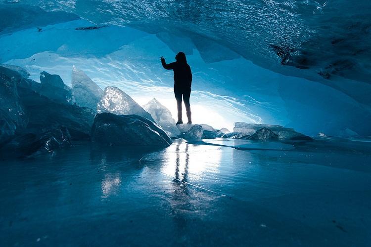 أثاباسكا الجليدية ألبرتا