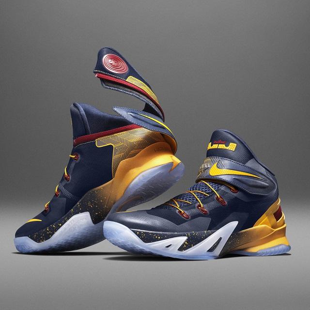 حذاء نايك رياضي