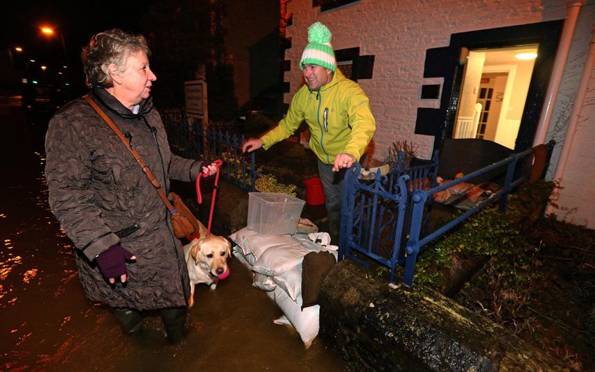 فيضانات باسكتلندا