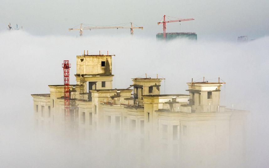 مبنى قيد الإنشاء