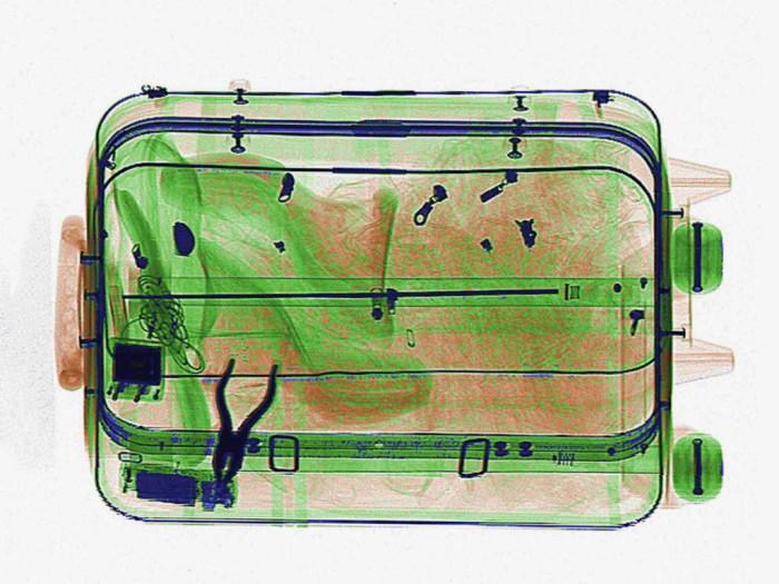 ممنوعات في حقائب السفر