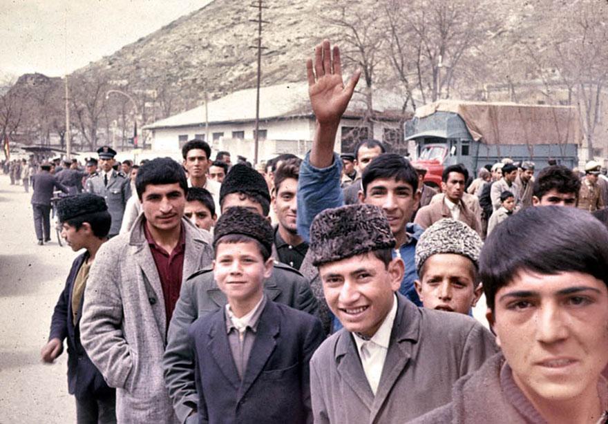 شباب أفغان
