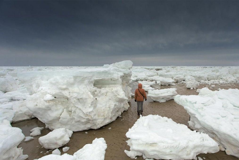 قطع ضخمة من الجليد