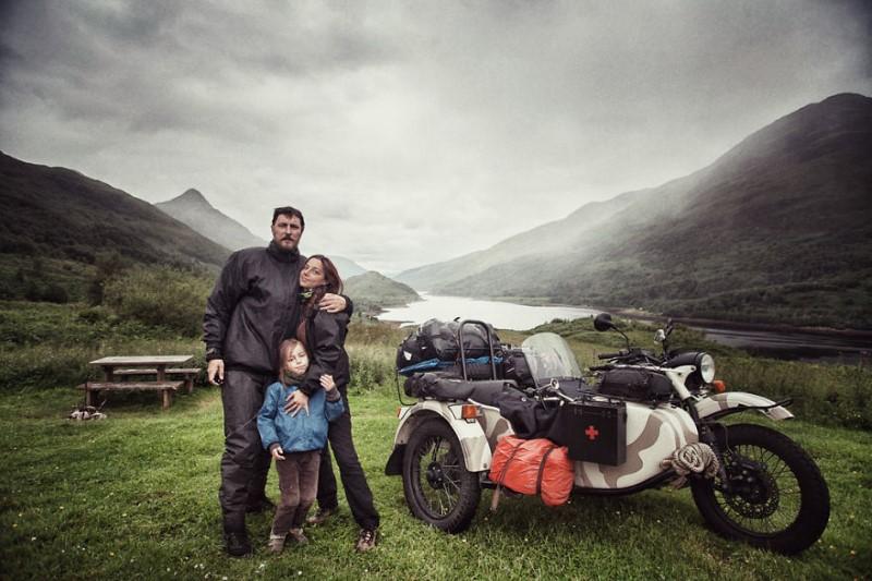 رحلة عائلة للتعرف على العالم