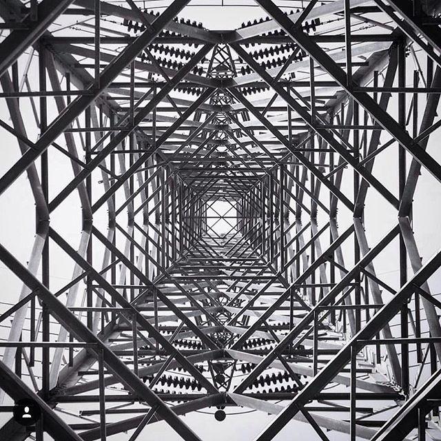 التماثل الهندسي الجميل