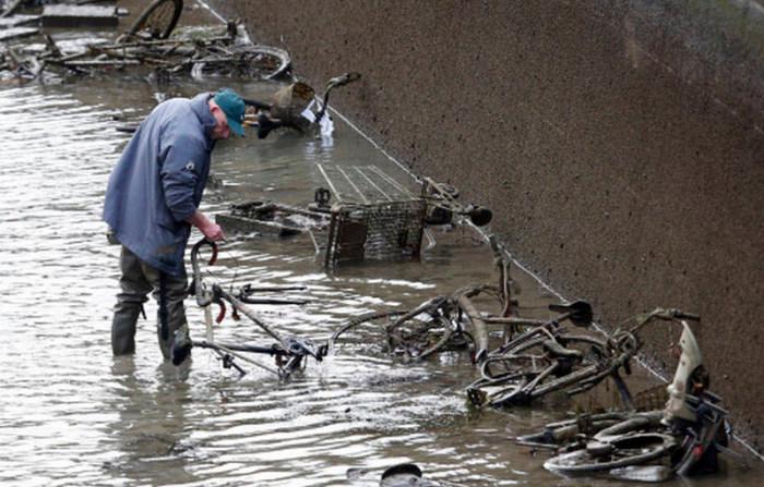 قناة سانت مارتين المائية في باريس