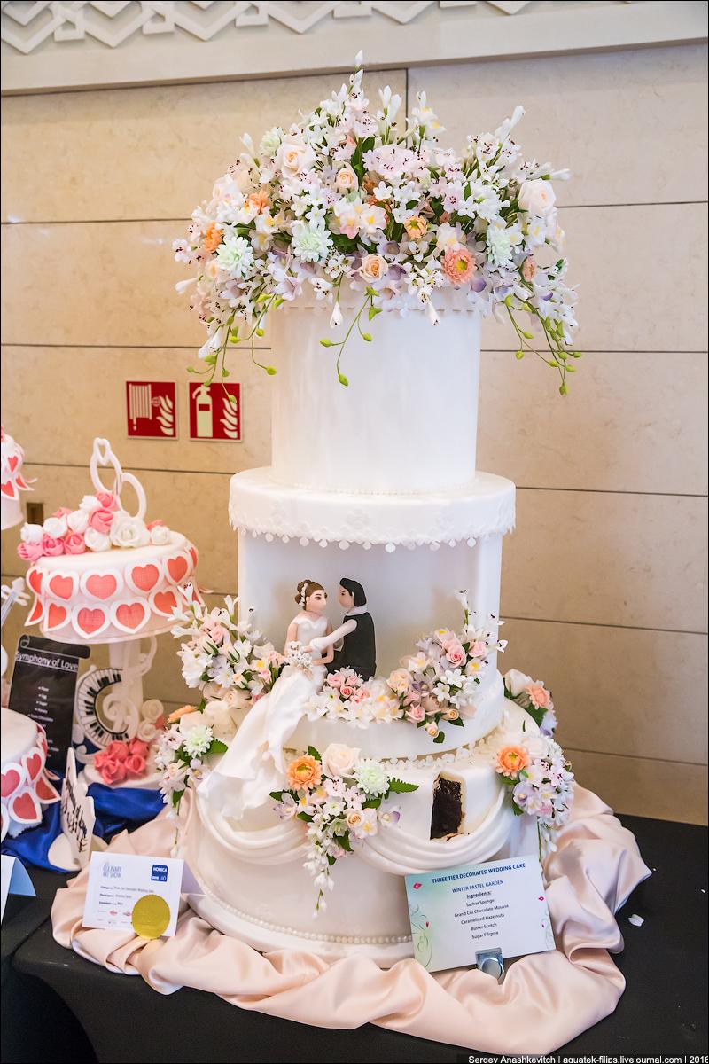 مسابقة أجمل قوالب كيك زفاف في الكويت
