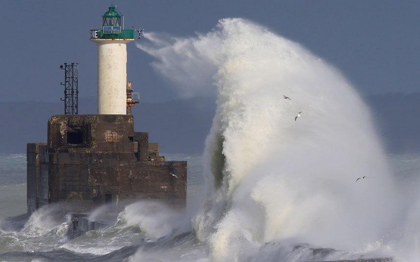 أمواج ضخمة