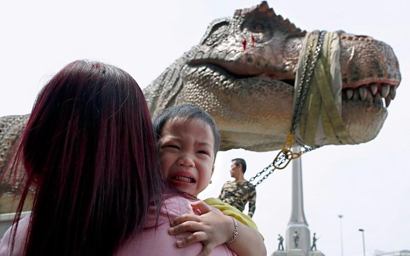 تمثال ديناصور