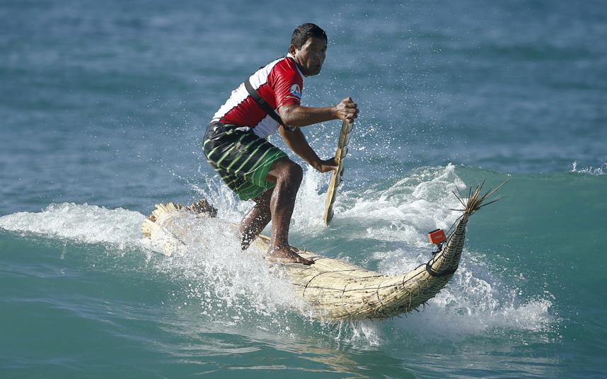 راكب أمواج بيروفي