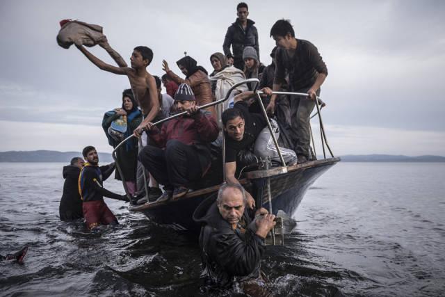 لاجئون في ليسبوس