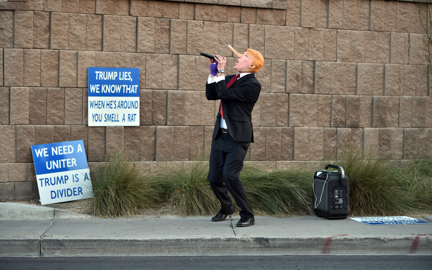 مؤيد لدونالد ترامب