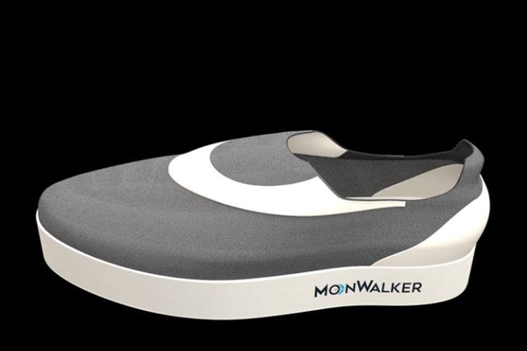 حذاء رياضي يمنحك شعور المشي على سطح القمر