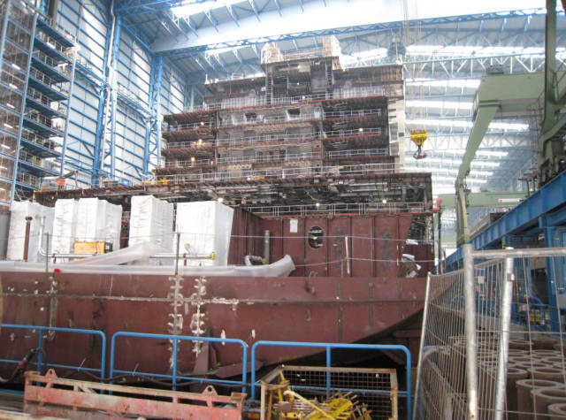 مراحل بناء وتجميع السفن السياحية العملاقة