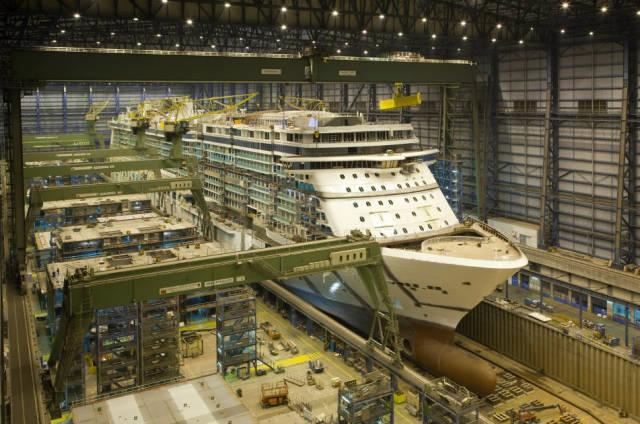 صور بناء سفن كبيرة
