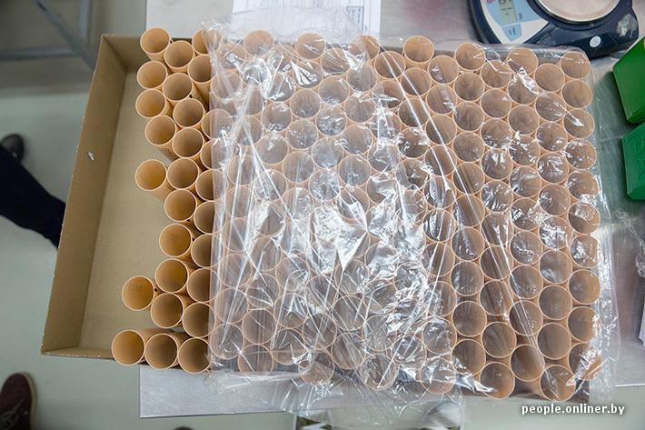 طرق انتاج ادوات المكياج و المكونات التي تصنع منها