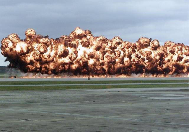 قنبلة نابالم