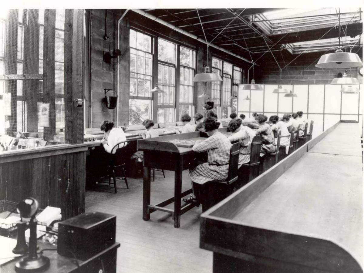 مصنع ساعات