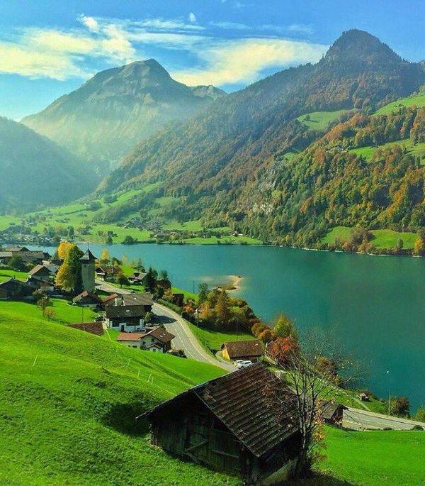 وادي في سويسرا