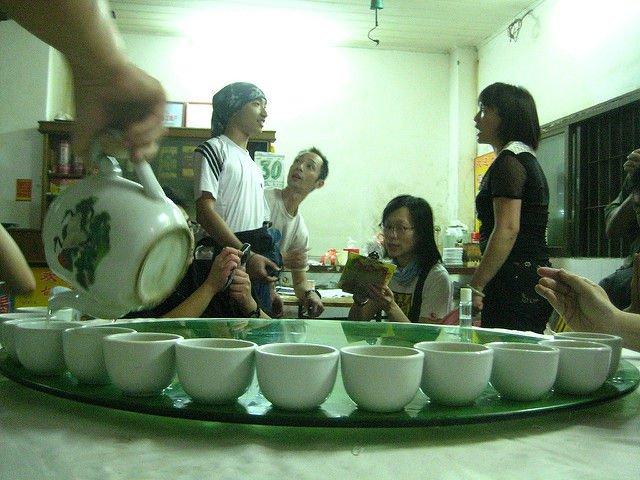 الصينيين شرب المياه الساخنة