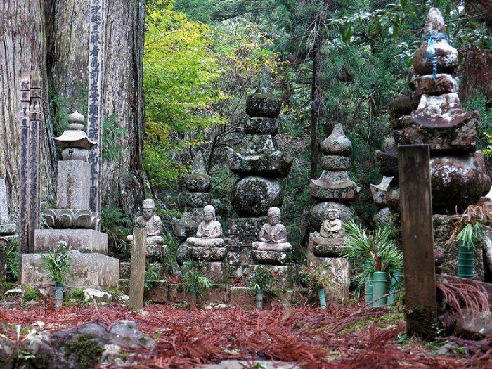 أكبر مقابر اليابان