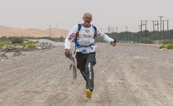 المشي في الصحراء