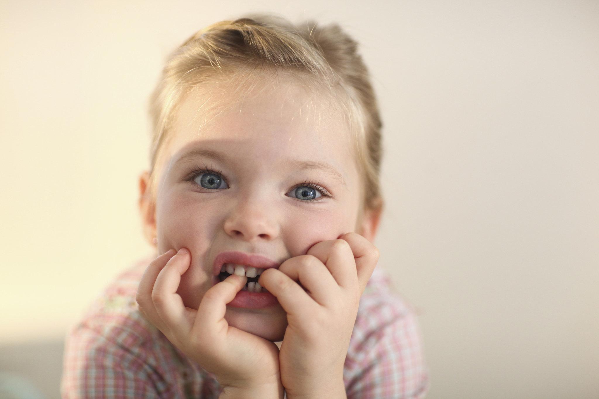 أكل الأظافر