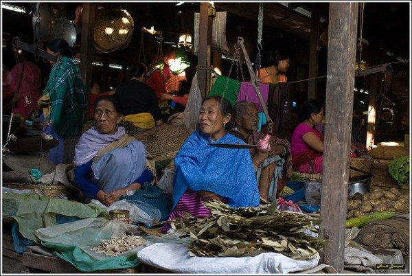 السوق النسائي بالهند