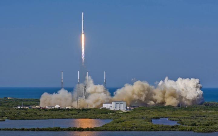 انطلاق صاروخ