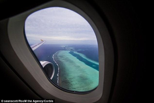 نافذة الطائرة