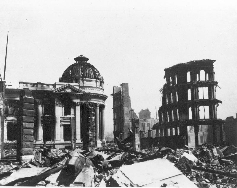 زلزال مدمر في أمريكا