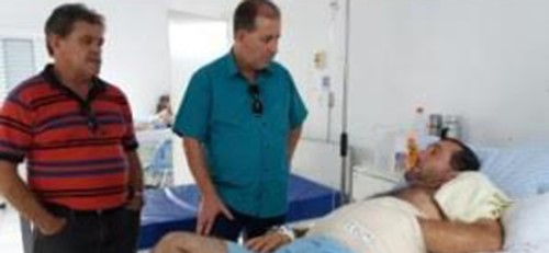 جراحون ينقذون يد برازيلي