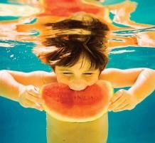 السباحة بعد الأكل