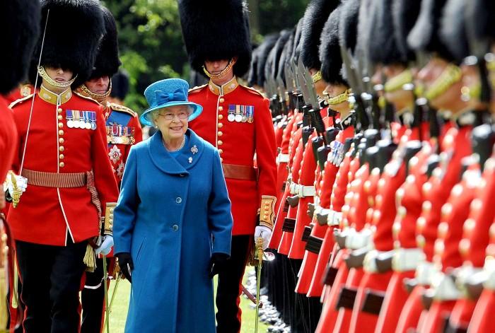 حراس الملكة إليزابيث